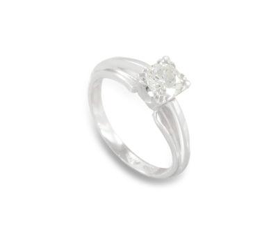 Diamantový prsten z bílého zlata